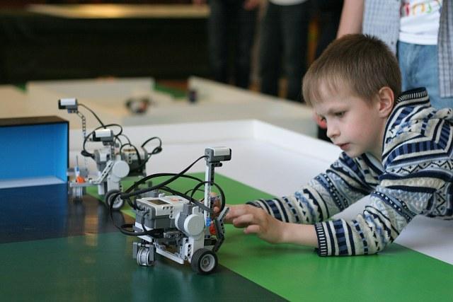 Робот из конструктора